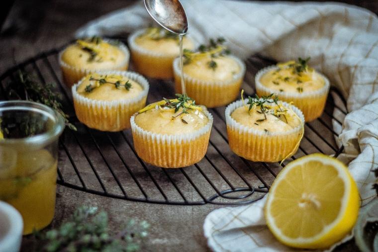 Zitronen-Thymian Muffins 10