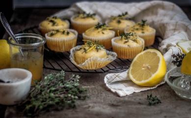 Zitronen-Thymian Muffins 15