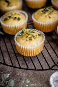 Zitronen-Thymian Muffins 17