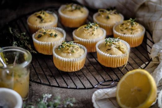 Zitronen-Thymian Muffins 19