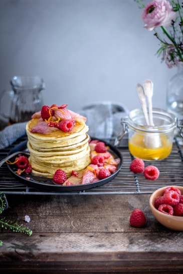 Ricotta-Pancakes mit roasted Rabarber 05