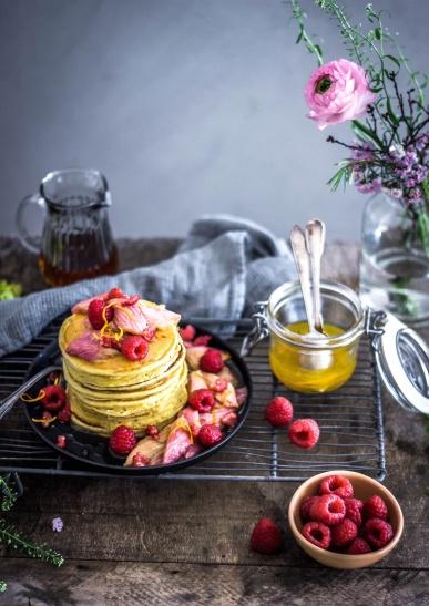 Ricotta-Pancakes mit roasted Rabarber 08